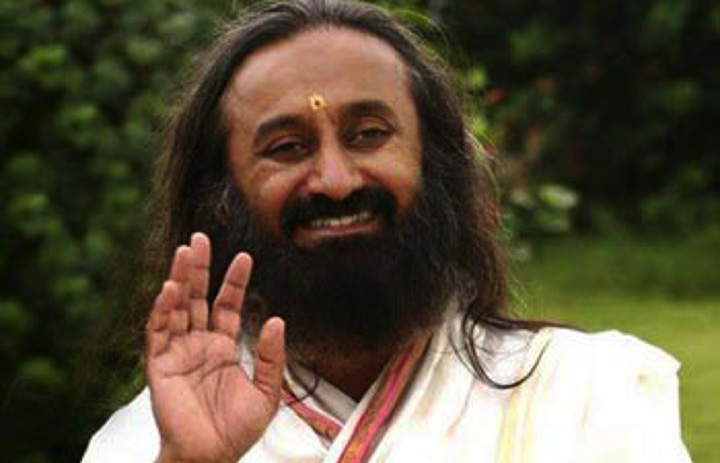 Indian Guru Offers ISIS An Olive Branch And Receives A Photograph Of A Beheaded Man In Return