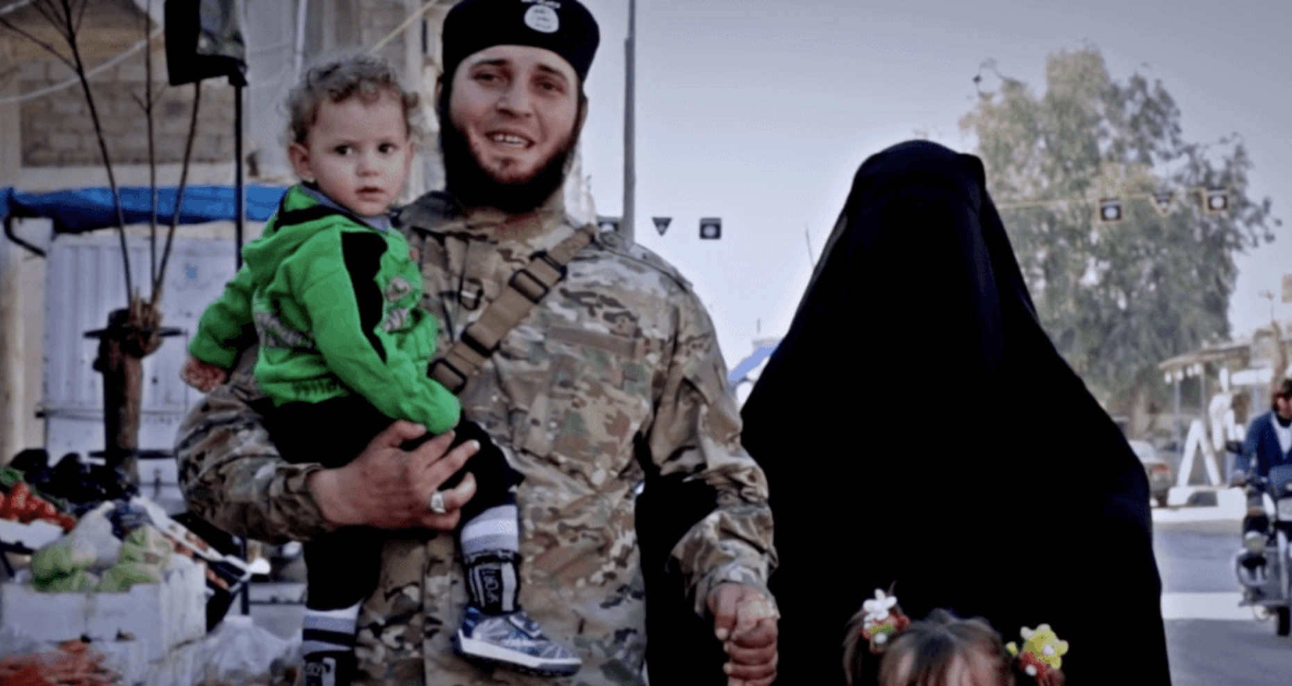How Men And Women Were Drawn To The Hyper-Gendered ISIS Caliphate